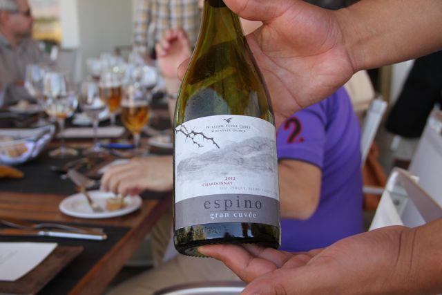 Comida y un buen vino para reponer fuerzas en el restaurante de Explora Atacama