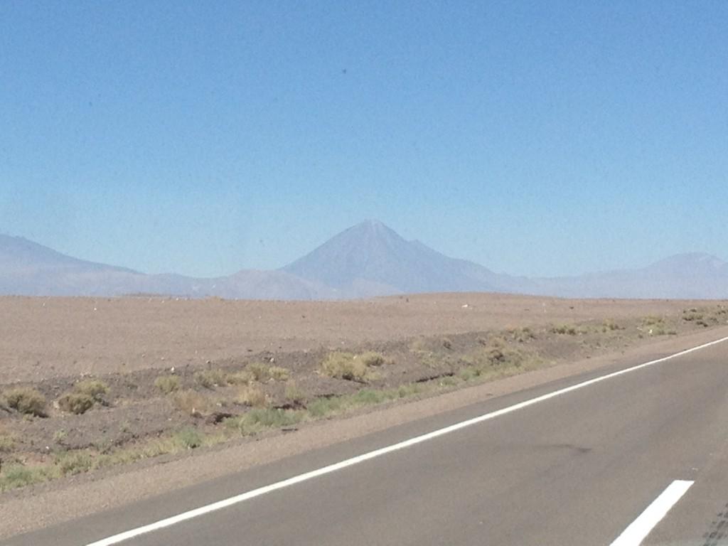 Primera aparición de Don Licancabur. El Volcan Majestuoso de la cordillera Andina de San Pedro de Atacama