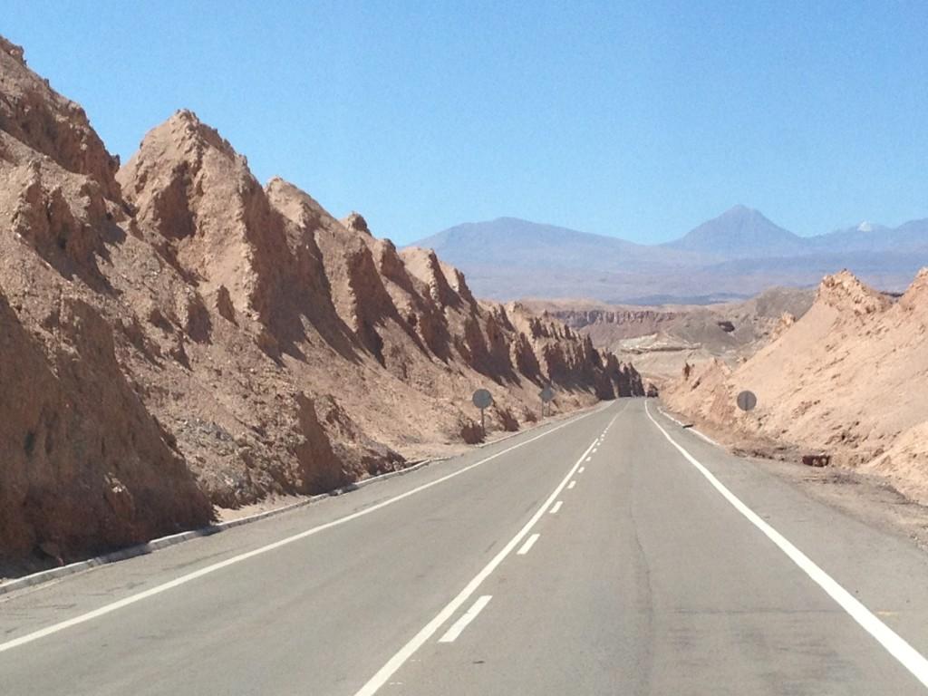 Rocas Volcanicas , El paisaje empieza a cambiar ...