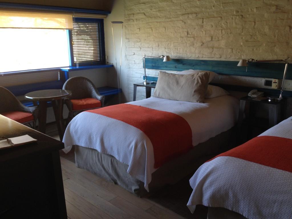 Habitaciones y camas comodiisimas. Estilo rustico - El Lujo de lo esencial