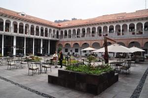 Patio interior tipico Cusqueño