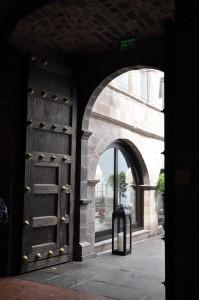 Puerta de entrada a Casona Cusqueña