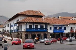 Balconadas tipicas en la Plaza de Armas