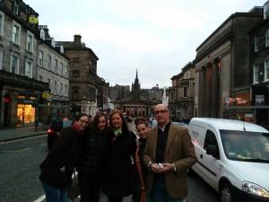 Un paseo por la ciudad nada más llegar para empezar a conocer la capital de Escocia.