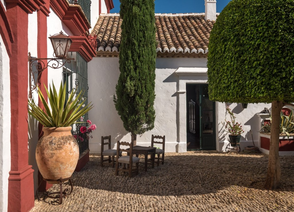 luxury-villas-seville-hacienda-montellano-23